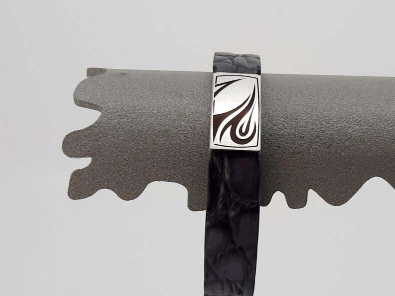 Armband Ernstes Design