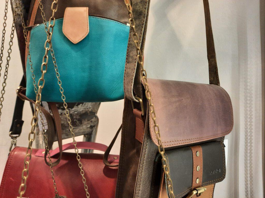 Taschen aus Lederresten
